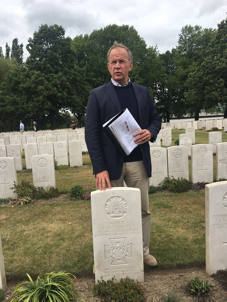 Chairman visits grave of Major Tubb VC 7/AIF